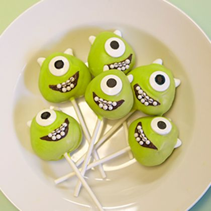 mike-cake-pops-